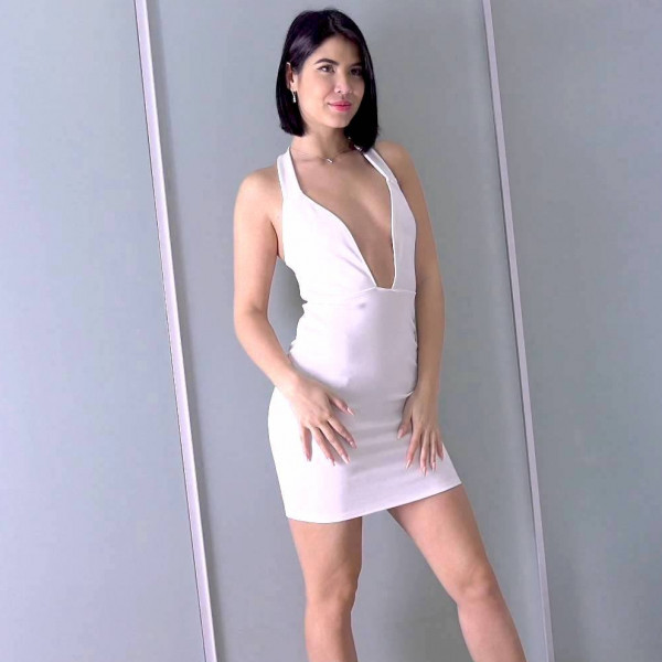 Lady in white gets fucked just right - Photo 3 / 16